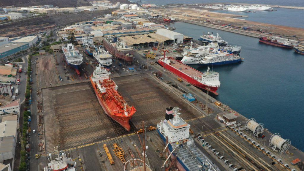 shipyard-astilleros-puerto-las-palmas-gran-canaria-drydock-Syncrolift